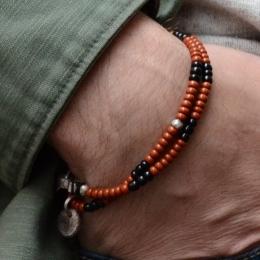 Двойной браслет из черных и коричневых винтажных бусин 1OZ