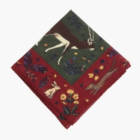 Красный-зеленый платок с анималистическим орнаментом VARSUTIE