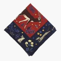 Красно-синий платок с анималистическим орнаментом VARSUTIE